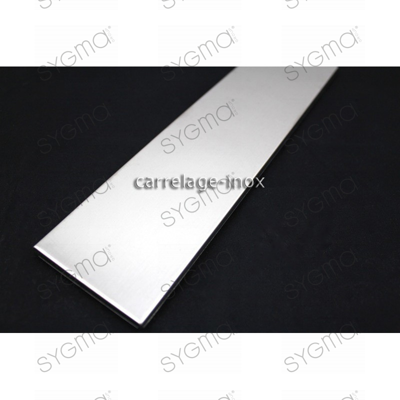 Carrelage plinthe inox carreaux metal acier 1 piece linea for Carrelage inox fr