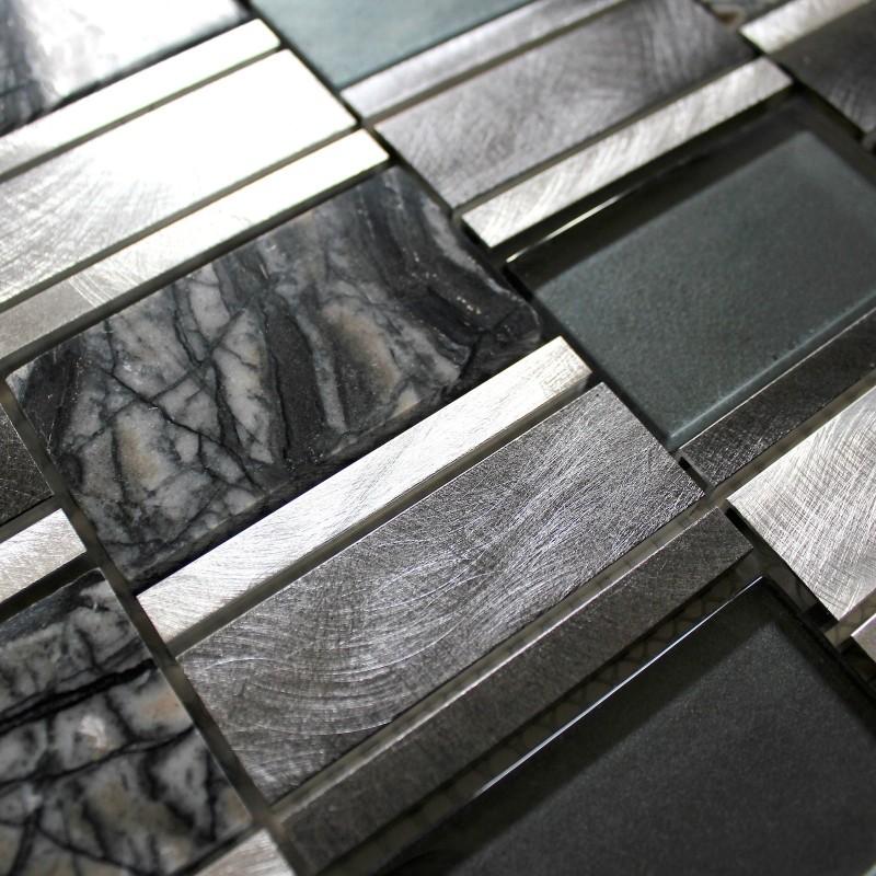 Dalle mosaique aluminium et verre carrelage cuisine for Credence cuisine aluminium brosse