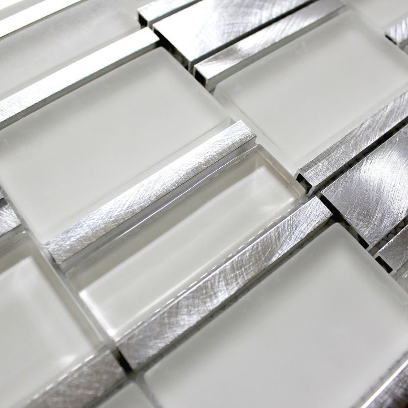 Dalle mosaique aluminium et verre carrelage cuisine for Credence de salle de bain