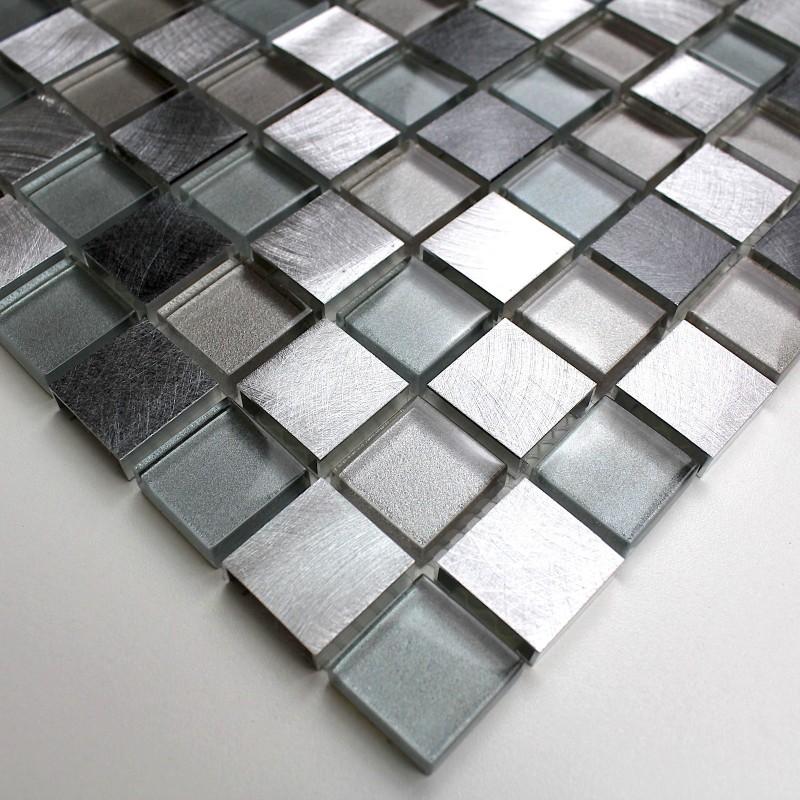 Mosaique aluminium et verre cuisine cr dence heho for Mosaique murale salle de bain
