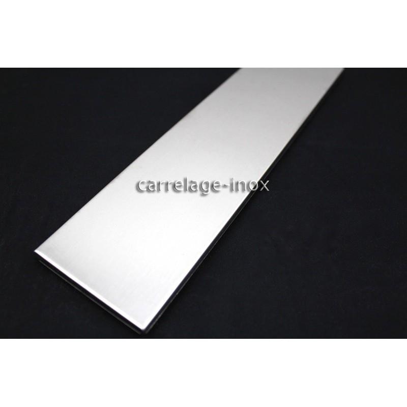 Carrelage plinthe inox carreaux metal acier 1 piece linea for Plinthe aluminium cuisine